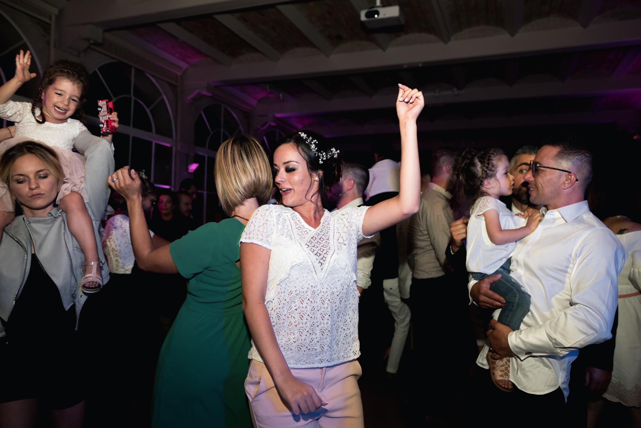 mariée danse réception photographe lyonnaise